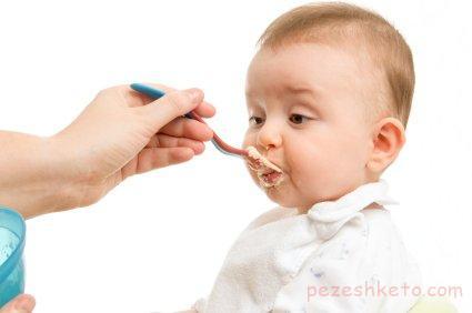تغذیه کودکان 6 تا 12 ماهه